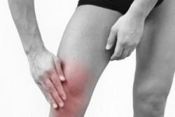 Из-за чего болят и хрустят колени?